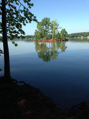 Island-in-Lake-Norman