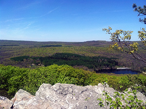 A view of Laurel Lake from Pole Steeple.